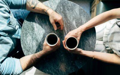 بين الثرثرة ومفيد الكلام مساحة للمعرفة