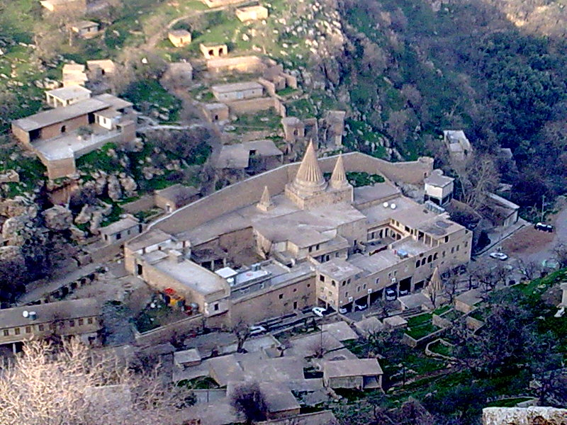 الأيزيدية ديانة معبدها لالش