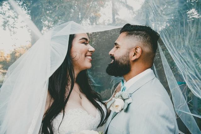 اللذة والنشوة والرعشة جزء هام من الزواج