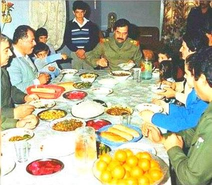 زيارات صدام حسين شملت تناول الطعام في الاماكن التي يزورها